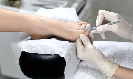 {PED - Full Time Professional Esthetics Diploma Program - 16 Weeks}